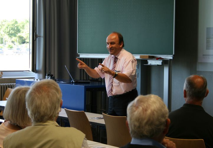Alumni zum 50-jährigen Jubiläum an der OTH Regensburg