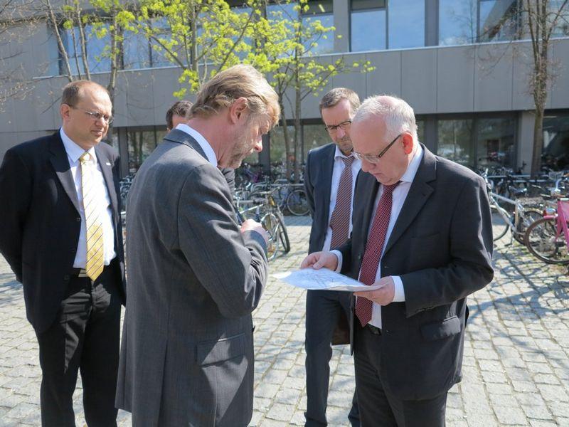 Ministerialdirigent Johann Zwirglmaier zu Gast an der OTH Regensburg