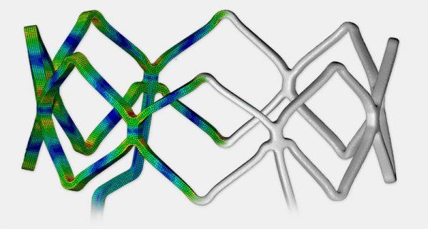 Stent-Expansion: Simulation (li.) und Experiment (CT-Scan, re.) im Vergleich